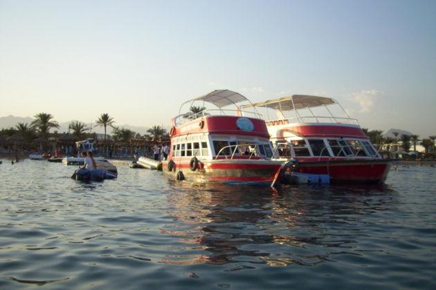 Лодка со стеклянным дном