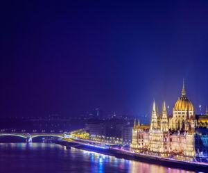 Прогулка по Дунаю на кораблике с ужином и живой музыкой - экскурсия