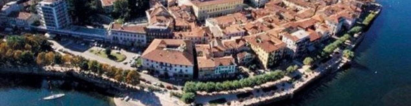 Статуя Сан Карло. Замок Рокка ди Анжера. Монастырь Санта-Катерина-дель-Сассо