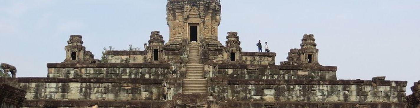 Храм Бантей Срей и храмы группы Ролуос