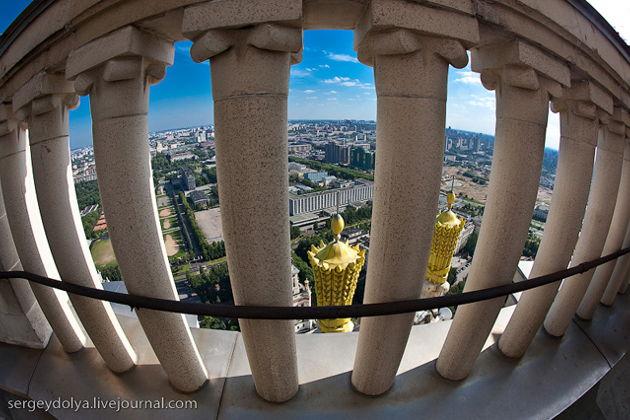 Экскурсия в Москве: Под шпилем башни МГУ