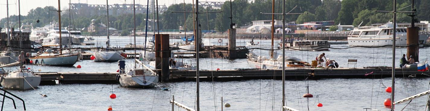 Петровский остров. Яхт-клуб. Морская жизнь. Спорт и роскошь.