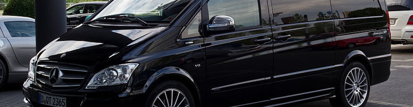 Почасовая аренда Mercedez Viano с водителем ( вместительность 7 человек)
