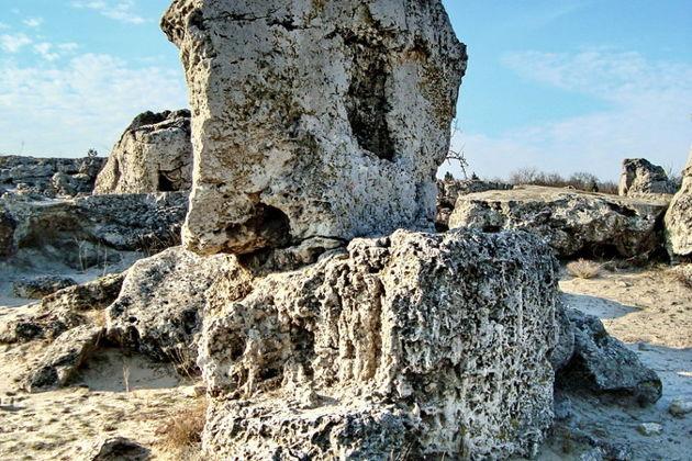 Экскурсия в скальный монастырь Аладжа и к природному феномену Вбитые камни