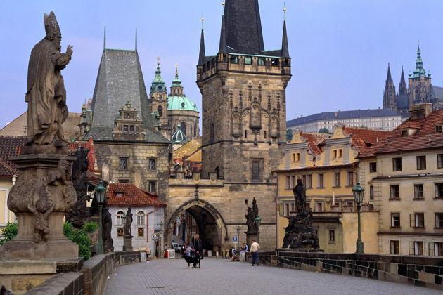 Экскурсия в Праге: Чешский Крумлов и замок Глубока над Влтавой