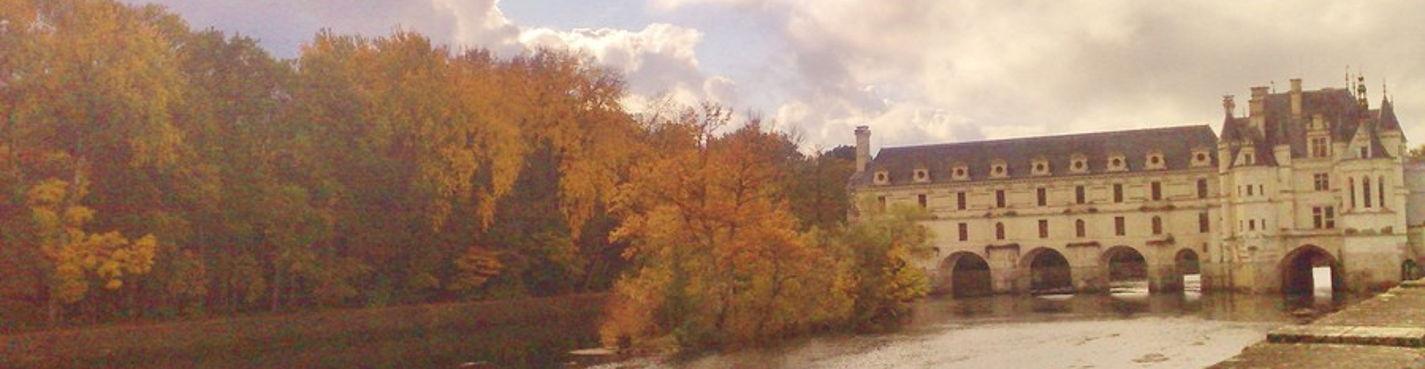 Экскурсия по самым знаменитым замкам Луары: Шенонсо, Амбуаз, Шамбор.