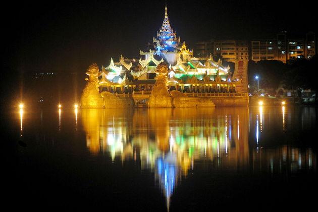 Экскурсия в Бангкоке: Круиз по реке Чао Прайя с ужином