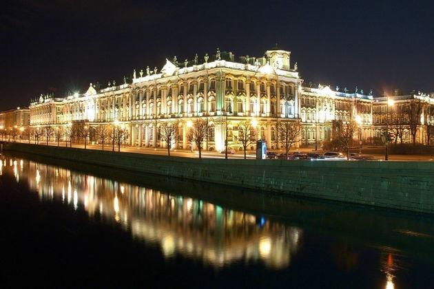 Экскурсия в Санкт-Петербурге: Ночная обзорная экскурсия по Петербургу