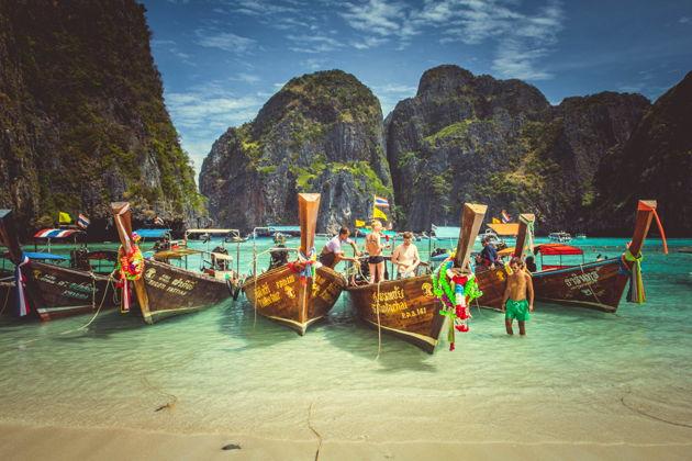 Экскурсия в Пхукете: Экскурсия на острова Пхи-Пхи (Phi-Phi Island) на большой лодке